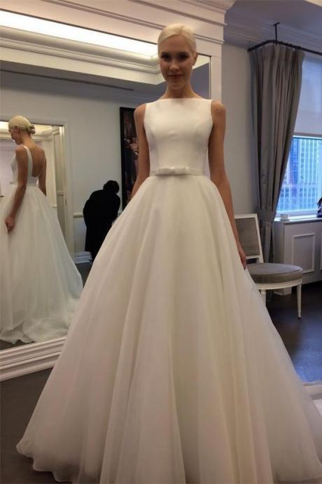 Backless Sleeveless A-line Ivory Tulle Wedding Dress